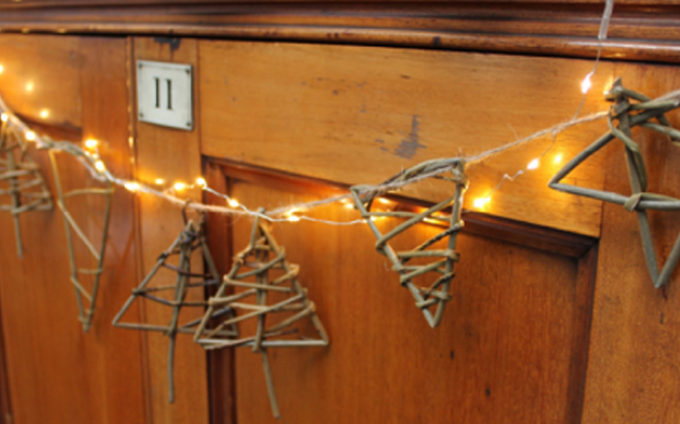 Festive Willow Weave Bunting
